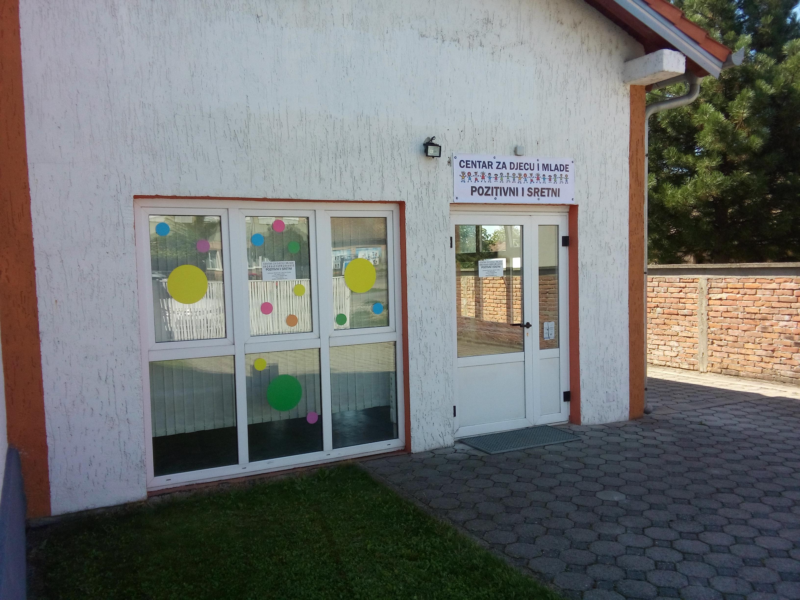 <p>Centar za djecu i mlade Pozitivni i sretni Čepin, Kralja Zvonimira 89a i u ovoj pedagoškoj godini nudi mnoštvo radionica i sadržaja za djecu i mlade, i starije koji se tako osjećaju.</p>