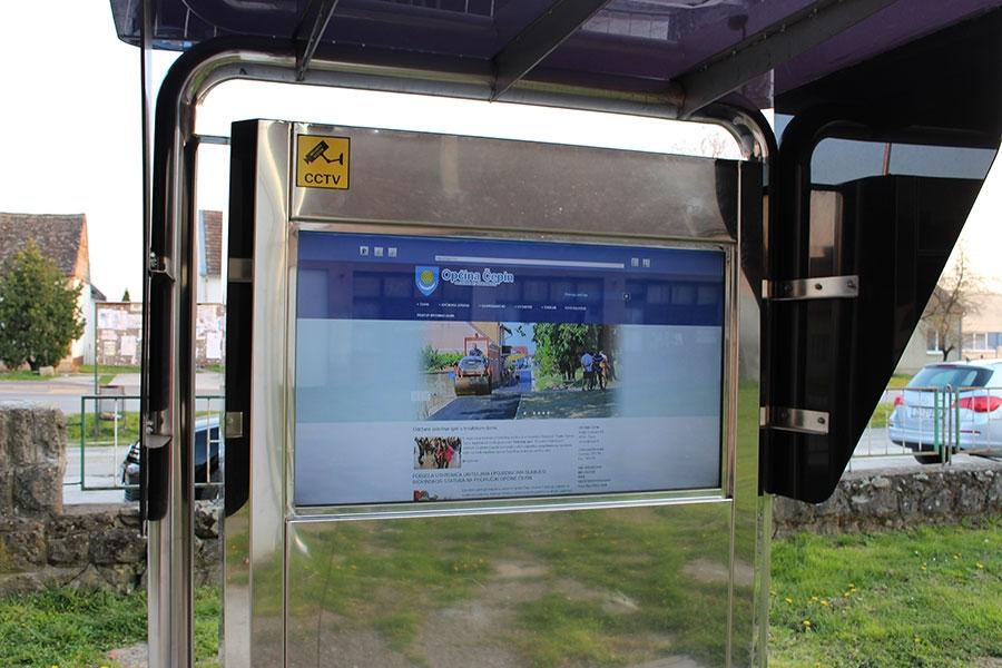 <p>Sigurni smo kako ste već primijetili info stup općine Čepin na lokaciji ispred centra za kulturu Čepin (knjižnica). Info stup je osmišljen i postavljen s namjerom da mještanima općine Čepin omogući pregled najvažnijih najava i događanja u našoj općini, a putem interaktivnog prikaza na zaslonu samog uređaja.</p>