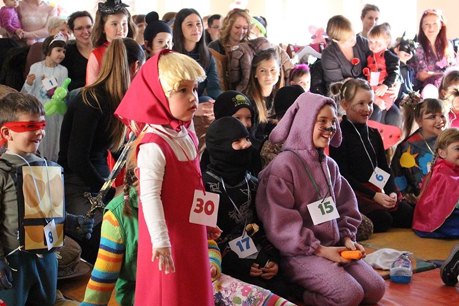 <p>Održan je još jedan sada već tradicionalan maskenbal u Čepinu. Ovoga puta maskenbal se održao s nešto manje djece radi puno bolesne djece koja su ga morali propustiti ali nipošto nije bio manje zabavan!</p>