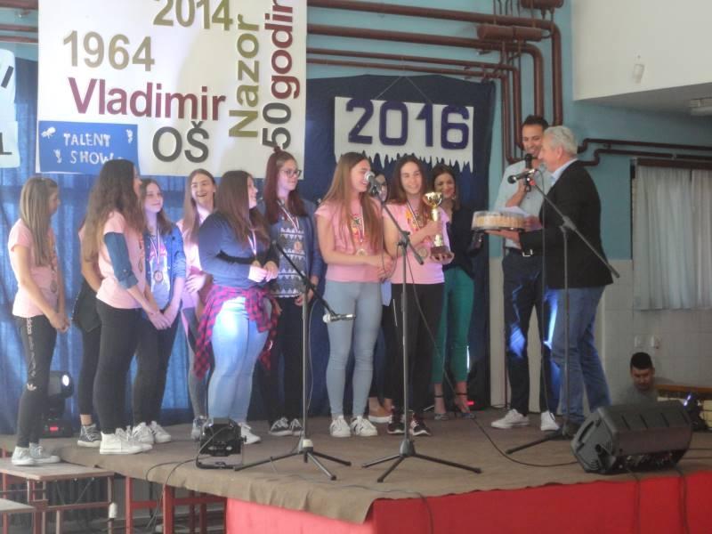 """<p>Osnovna škola Vladimir Nazor, Čepin ,17.svibnja, bila je domaćin susreta """"2. školski glazbeni festival"""". Sedam škola iz Osječko-baranjske županije je poslalo svoje najbolje pjevače da se pokažu na ovom glazbenom natjecanju.</p>"""