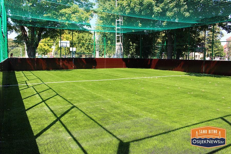 <p>Danas u 10.30 sati, bilo je predstavljanje novog i vrlo atraktivnog sadržaja društva Športski objekti d.o.o. – Cage Football (Nogometni kavez) na umjetnoj travi te najava turnira u malom nogometu.</p>