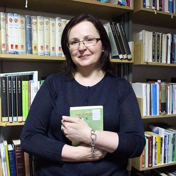 <p><strong>Na Izvanrednoj izbornoj skupštini Društva knjižničara Slavonije, Baranje i Srijema, održanoj u Osijeku, 27. ožujka 2017. godine, na prijedlog Upravnog odbora, predsjednicom Društva imenovana je Marija Čačić, voditeljica Knjižnice Centra za kulturu Čepin.</strong></p>