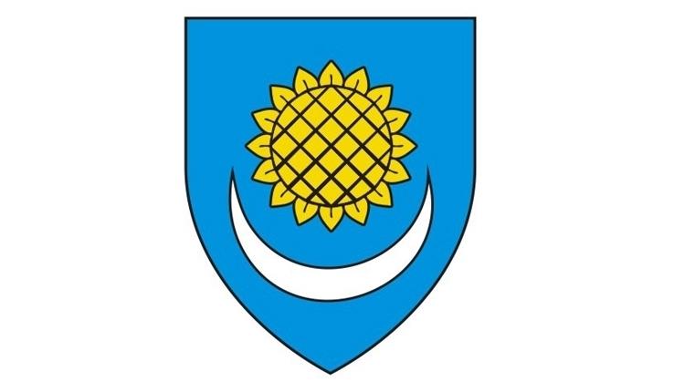 <p>Obavještavaju se mještani općine Čepin da se stupanjem na snagu Zakona o izmjenama i dopunama Zakona o vodama i Zakona o izmjenama i dopunama Zakona o financiranju vodnoga gospodarstva (navedene izmjene i dopune Zakona stupile su na snagu 18. svibnja 2013. godine) UKIDA naknada za priključenje na komunalne vodne građevine.</p>