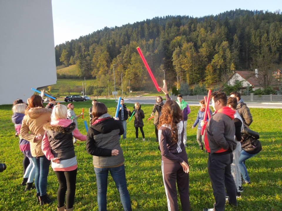<p>Od 24.10.2014.-2.11.2014., u Slovenj Gradecu u Sloveniji održan je trening za edukatore i voditelje mladih, sa osnovnom temom inkluzije djece i osoba sa poteškoćama. Na projektu koji je realiziran kroz program Erasmus + sudjelovale su udruge i organizacije mladih iz Latvije, Češke, Bugarske, Makedonije, Slovenije i Hrvatske.</p>