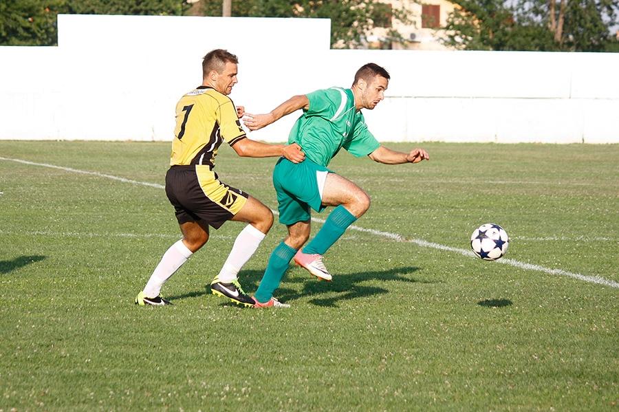 <p>Nogometni klub Čepin je organizirao Memorijalni nogometni turnir 'Čepinski branitelj' posvećen poginulim braniteljima svoga mjesta. Turnir se odigrao na stadionu NK Čepin 03. i 04. kolovoza (po dvije utakmice) u terminima od 16:00 i 18:00 sati.</p>