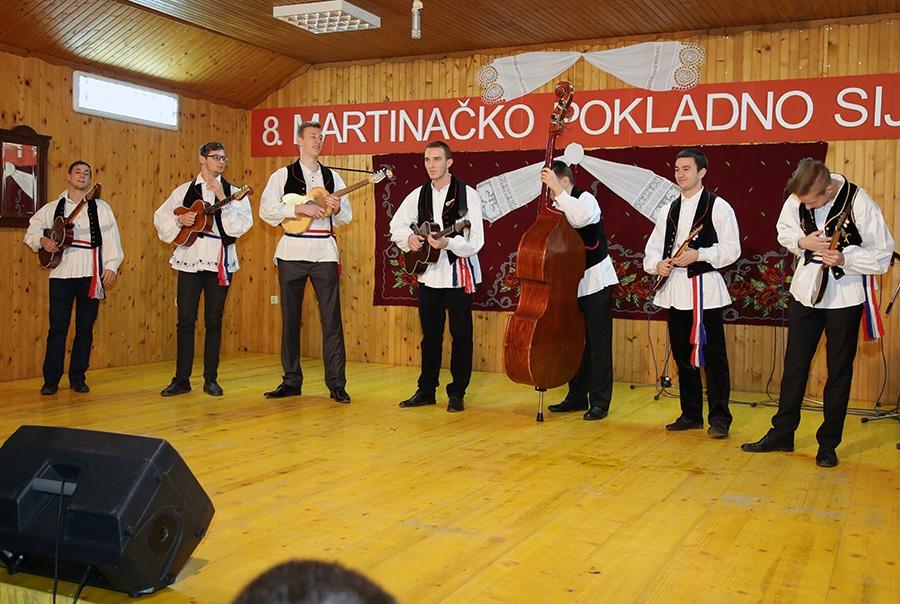 <p>Kulturno umjetničko društvo Čepinski Martinci su uspješno održali još jedno Martinačko pokladno sijelo koje se ove godine održalo 07.02.2016. (nedjelja) od 16:00 sati.</p>