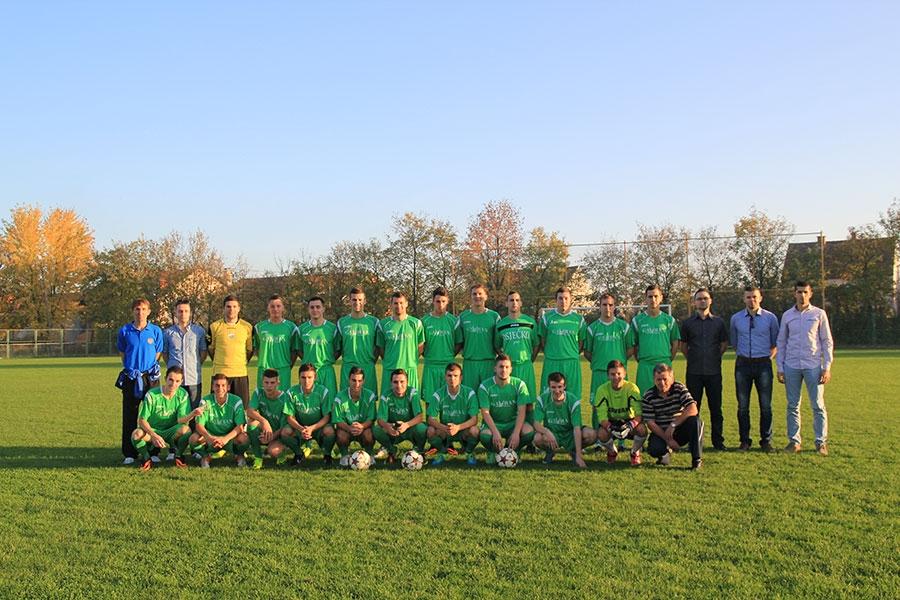 <p>Mlada i perspektivna ekipa našeg nogometnog kluba u tekućoj sezoni privlači svojim nastupima. Uz dobru igru i veliko zalaganje igrača ne može izostati ni rezultat, te se Čepinci nalaze u samom vrhu tablice Međužupanijske nogometne lige Osijek – Vinkovci.</p>