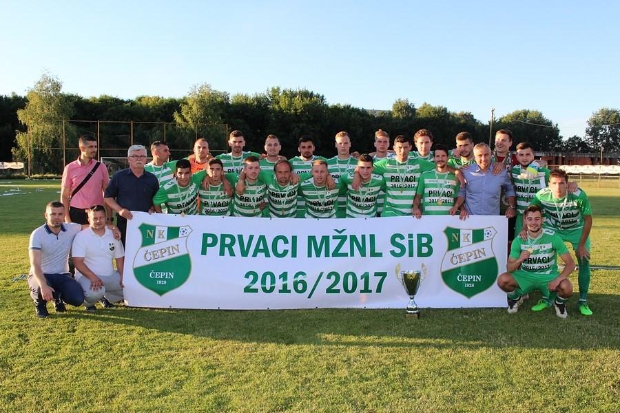 <p>NK Čepin je osigurao titulu prvaka i plasman u trećeligaško državno društvo. Nakon posljednjeg kola MŽNL Slavonije i Baranje, sve su natjecateljski važne pozicije dobile vlasnike.</p>