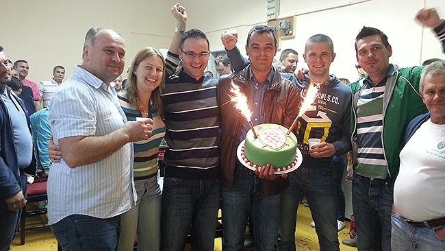 <p>Nakon objave prvih izbornih rezultata nastalo je slavlje u stožeru HSS-a i kolacijskih partnera. Slavila se pobjeda Dražena Tonkovca novog načelnika Općine Čepin.</p>