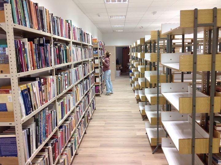 <p>Knjižnica će ponovo otvoriti svoja vrata za korisnike u ponedjeljak, 28. prosinca, po redovitom radnom vremenu od 9:00 do 15:15.</p>