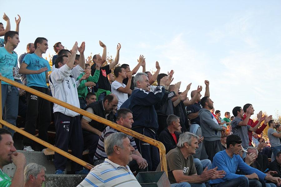 <p>U derbiju 11. kola Međužupanijske nogometne lige Vinkovci-Osijek sastale su se dvije ponajbolje ligaške ekipe. Naime, vodeća Bobota-Agrar i četvrtoplasirani Čepin odigrali su pravu prvenstvenu utakmicu, a konačnim rezultatom 1:1 više bi trebali biti zadovoljni gosti jer u tijeku cijele utakmice nisu stvorili niti jednu pravu priliku za pogodak.</p>