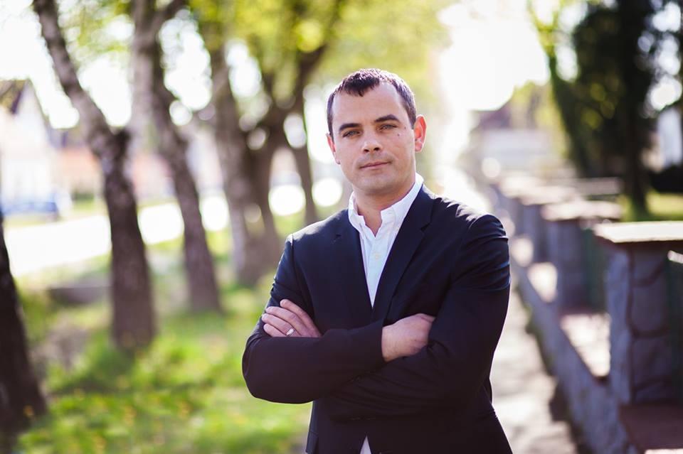 <p>Četiri su godine uspješnog mandata iza čepinske općinske uprave, a izborna je godina vrijeme kada se podvlači crta kako bi se pregledali ostvareni rezultati. Napravljeno je mnogo toga, mnogo više nego li je sadašnji načelnik Dražen Tonkovac, sa svojim zamjenikom Ivanom Žeravicom, najavio na početku madata u svibnju 2013. godine.</p>